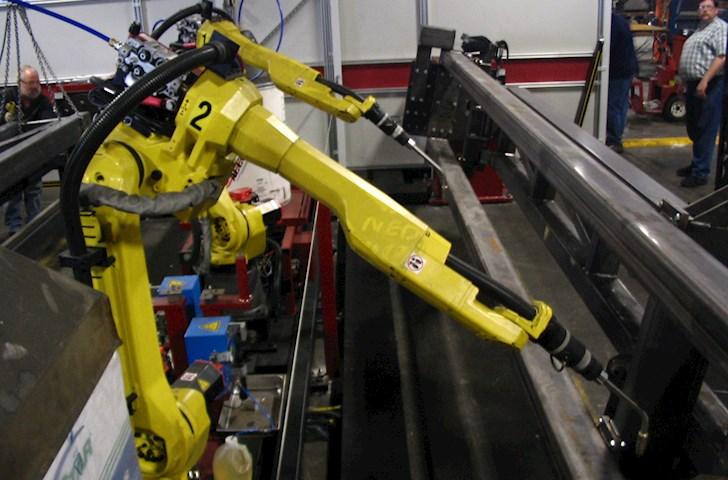 Manufacturing_welding_robots.jpg